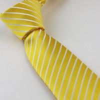 gravata listrada branca amarela venda por atacado-Terno dos homens laços Novo Design Amarelo Com Branco Diagonal Listrado Gravata Gravata Skinny 7 cm camisas de vestido Cravat Gravatas de Casamento