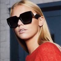 Wholesale Occhiali Da Sole Sunglasses - 2018 New Italy Brand Designer luxury Square women Sunglasses Big frame Tricolor Gradient White green Men Sun glasses occhiali da sole donna