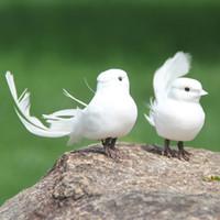 bonito casamento artes venda por atacado-Emulação Pássaro Espuma Artificial Penas Brancas Bonito Mini Pássaros Pequeno Pombo Início Casamento Decoração Artes Artesanato Presentes Cor Pura 1 8ll bb