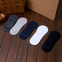 ingrosso calzini pantofole invisibili-All'ingrosso-20 paia / lotto Calze di cotone degli uomini nuovi di modo Calzini bassi di cotone senza cuciture calzini invisibili Calzino Pantofole per gli uomini spedizione gratuita