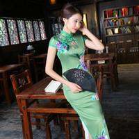 yeşil çince cheongsam elbiseleri toptan satış-Yeni Bahar Yeşil Seksi Geleneksel Çin Kadın Elbise El Yapımı Düğme Çiçek Uzun Qipao Ince Mandarin Yaka Cheongsam M-3XL