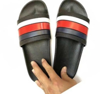 Wholesale men leather slippers - 2018 Black Rubber Slide Sandal Slippers Green Red White Stripe Fashion Design Men Women with Box Classic Ladies Summer Flip Flops