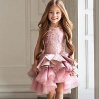 meninas joelho comprimento rosa vestidos venda por atacado-Lindo rosa vestido da menina de flor para o casamento da criança a linha de comprimento do joelho vestido pageant natal ruffles meninas primeiro cummuiion dress