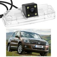tiguanlı kamera toptan satış-Yeni 4 LED Araç Arka Görüş Kamerası Ters Yedekleme CCD Volkswagen Tiguan 2012-2014 için fit 2013