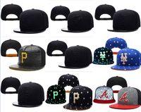 ingrosso cappelli da baseball-Snapbacks di baseball di Snapbacks di baseball delle donne degli uomini caldi di vendita tutti i team cappelli di football americano Cappelli hip-hop degli sport del cappello piano di sport degli uomini Migliaia di stili
