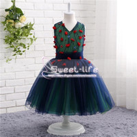синий зеленый девочек мяч оптовых-Темно-синий и изумрудно-зеленый 2018 бальные платья Платья для девочек-цветочков с V-образным вырезом дешево Платье для девочек-цветочниц Для свадебных платьев для причастий