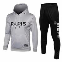 sudadera blanca con capucha al por mayor-Nuevo suéter con logo de MJ con sudadera con capucha 18/19 PSG Jersey rojo casual para hombres 2019 París Saint-Germain Suéteres blancos Sudadera con capucha negra En ventas