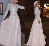 chiffon weißes kleid modern groihandel-Moderne weiße langärmlige muslimische Abendkleider 2018 mit Pailletten Applikationen Chiffon Perlen Formale Abendkleider