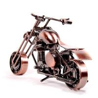 ingrosso arte case artigianali-Motociclo Shaepe Ornament Mano Mede Metallo Ferro Artigianato per la casa Soggiorno Decorazione Forniture Regalo per bambini 10 5lc BB