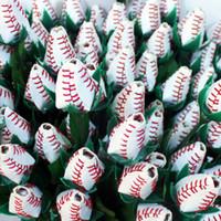 ingrosso rose in pelle-American White Leather Red Stitching Sew Roses Congratulazioni ai tuoi laureati in possesso di funzionalità Softball originali Regali rosa