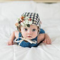 Wholesale baby girl bonnet flowers online - Vintage Plaid Baby Hat with Flowers Adjustable Cap Baby Fotografia Props Cotton Infant Bonnet Baby Girl Hat Accessories