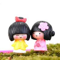 brinquedos artesanais para meninas venda por atacado-Mini bonito quimono menina boneca ornamento micro paisagem decoração musgo terrário plantas pote acessórios diy artesanato materiais brinquedos para crianças