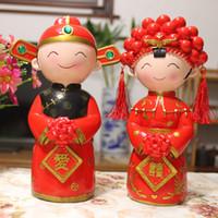 ingrosso decorazioni della torta nuziale cinese-Resina tradizionale bambola cinese decorazione cake topper coppia sposata wedding cake topper figurine regali di nozze favori