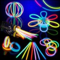 ingrosso neon braccialetto-20 cm Multi Colore Glow Stick Braccialetto Collane Neon Party Flashing Light Stick Bacchetta Novità Giocattolo Vocal Concert Flash Stick Glowligh KKA5591
