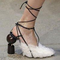 ingrosso valentines vestire bianco-Schoenen Vrouw Designer Sexy Scarpe Pompe Bianco Peluche Fuzzy Autunno Tacchi alti Donne Vestito in pelle perline Pompe Scarpe San Valentino