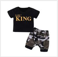 kamuflaj giyim şortları toptan satış-Yeni Yaz Bebek Erkek Mektuplar Baskılı Kısa Kollu T-shirt + Kamuflaj Şort 2 adet Set Çocuk Giyim Setleri Çocuk Kıyafetleri Toddler Takım Perakende