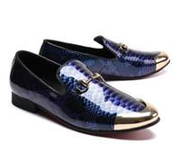 hommes mocassins gris achat en gros de-2018 Hommes Chaussures en cuir verni Slip-on Mocassins Or Métal Toile Snakeskin Impression Flats EU39-EU46 Bleu Royal et Gris