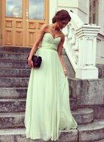hellgrüne kleider frauen großhandel-Günstige Chiffon Lange Brautjungfer Kleider Schatz Hellgrün Rüschen Abendgesellschaft Kleider Frauen Abendkleider Nach Maß