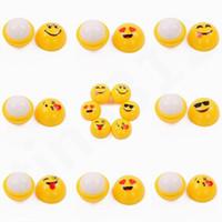 labios naranja al por mayor-Bola amarilla Bálsamo labial QQ Expresión Barra de labios esférica Duradera Húmeda Naranja Sabor Barra de labios Lápiz labial Emoji Bálsamo para labios T7F003