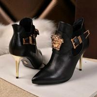 fabrika markalı toptan satış-Yüksek topuklu büyük isim high-end sandalet marka ayakkabı moda trendi terlik rahat ayakkabılar Avrupa istasyonu fabrika doğrudan satış