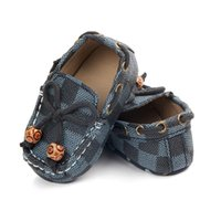 Wholesale plaid baby girl shoes resale online - Newborn Baby Shoes Girls Boys PU Leather Crib Shoes Peas Shoes Soft Sole Infant First Walkers