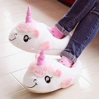 büyük peluş tek boynuzlu toptan satış-Unicorn Peluş Pamuk Kapalı Terlik karikatür unicorn Her şey dahil flip flop Kadınlar büyük çocuk Kış Sıcak Hayvan Ayakkabı 4 renkler C3659
