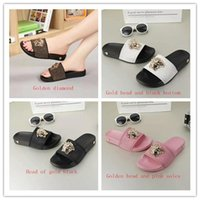 Wholesale shoes sex white - In the summer of 2018, men and women in fashionable casual shoes, boys and girls wear sandals on the beach and single-sex outdoor beach fli