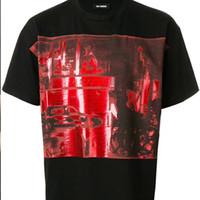 красная пара майка оптовых-Раф Симонс тройник ретро улица Красная печать удобные свободные хлопок шею черный Мужчины Женщины пара прилив футболка HFWPTX211