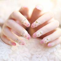 sahte düğün tırnakları toptan satış-Kadın 24 Adet / takım Fransız Gelin Düğün Çiçekler Yanlış Nails Nail Art Tasarım Akrilik Tam Sahte Nail İpuçları Tutkal-30 ile Gelin