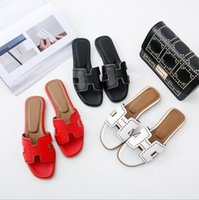 Wholesale ms wear - 2018 New Slippers Women Summer Outdoor Sandals Flat with Fashion Wearing Ms. Flat Beach shoes Wordpad Leisure Vacation Shoes
