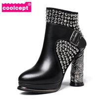 kadınlar 33 topuklu toptan satış-Toptan Kadın Ayak Bileği Çizmeler Hakiki Deri Ayakkabı Kadın Sıcak Kürk Ayakkabı Platformu Yüksek Topuk Çizmeler Perçinler Gotik Ayakkabı Boyutu 33-40
