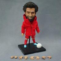 yükseklik yıldızları toptan satış-Soccerxstar Futbol Yıldızı Heykelcik 12 cm Yükseklik LIV Kırmızılar 11 Mohamed Salah Doll 2019 Sezon Koleksiyonlar Hediye Kırmızı Kiti