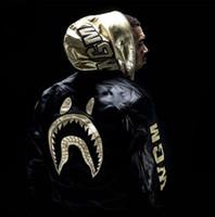ingrosso giacca imbottita in oro-Gli uomini abbigliamento ashion marchio filo d'oro ricamo ispessito cotone imbottito nero air force giacca casual coatNuovo stile