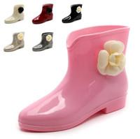 botas tobillo rosa al por mayor-12 COLORES Dulce Recién Llegado Botas de Lluvia Impermeables Planos Con Zapatos Mujer Zapatos de Lluvia Agua Goma Botines Bowtie