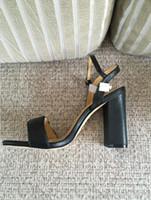 nuevas sandalias de novia al por mayor-2019 nuevas sandalias con letras de verano con caja original Correa Cuero genuino Señoras de la boda Gladiadores nupciales