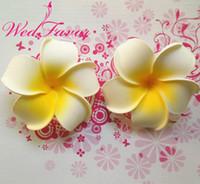 köpük parti aksesuarları toptan satış-DIY Saç Aksesuarı Düğün Dekorasyon için Parti Malzemeleri 100pcs 6cm Yapay Hawaii Köpük Frangipani Plumeria Çiçek Başkanları