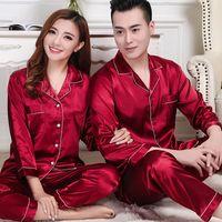 roter schlafanzug für frauen großhandel-Red Satin Silk Paar Pyjamas Set Männer Frauen langärmelige Hochzeit Nachtwäsche Männer dünne Seide Hause Service zweiteilige Anzug rot