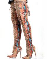 botas de baile de barra al por mayor-Botas americanas sexy sexy talón delgado punta estrecha serpiente correas cruzadas botas de rodilla hueco moda DJ polo bailando botas
