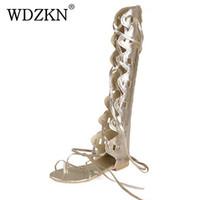 talon de sandales à genou en or achat en gros de-WDZKN nouvelle mode femmes or argent sangles croisées à talon plat genou haute gladiateur sandales sandalia glaplus taille 34-43