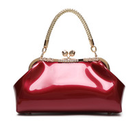 Wholesale bridal party totes - 2018 Fashionable patent leather handbag bridal bag dinner party ladies' wedding bag.T653