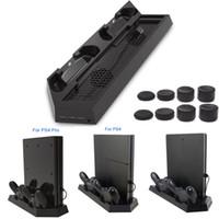controlador ps4 más frío al por mayor-Cargador vertical para PS4 / PS4 Pro / PS4 Slim Game Console Controlador dual Estación de carga con ventilador de refrigeración