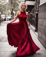 ünlü kırmızı halı elbisesi canlı blake toptan satış-2018 Bordo Halter A Hattı Kırışıklıklar Uzun Gelinlik Modelleri Blake Lively Abiye giyim Ünlü Elbise Kırmızı Halı Dedikodu Kız Parti Için Giymek