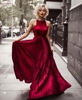 bordo giysileri giyen ünlüler toptan satış-Kırmızı Halı Gossip Girl Parti Wear için 2020 Burgundy Halter A Hattı Kırışıklıklar Uzun Gelinlik Modelleri Blake Lively Abiye Giyim Ünlü Giydirme