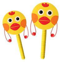 hölzerne rasseltrommel großhandel-Cartoon Trommelförmigen Holzrassel Traditionellen Handbell Jingle Rassel Spielzeug Musikinstrument Für Baby Kid Zufällig Farben Lernspielzeug