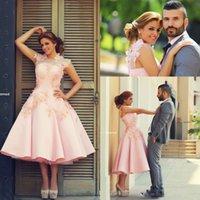vestidos florales en linea al por mayor-Vestido de boda corto de encaje floral 3D para las mujeres Vestido de lujo sin respaldo playa barata Vintage Blush rosa Crew Sexy Importi vestidos en línea