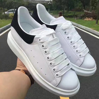 Wholesale platform muffin shoes for sale - Designer Mens Womens Luxury White Leather Platform Shoes Flat Casual Shoes Lady Muffin Sports Sneakers Man Casual fitness Shoes w02