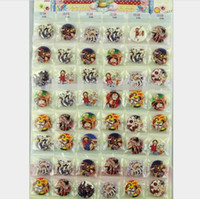 ropa japonesa niños al por mayor-48 Unids Anime Japonés One Piece Figura de Dibujos Animados Botones Pin Insignias 30mm Broche Redondo Ropa / Bolsas Accesorios Kid Regalo Partido Favor de la Joyería