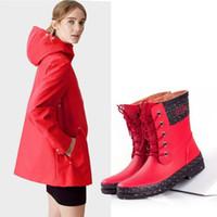 frauen im freien wasserdichte schuhe großhandel-Womens Fashion Lace Up Regen Stiefel rot und schwarz Mitte der Wade Gummi wasserdichte Rainboots für Frauen Outdoor-Schuhe