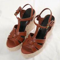 sandalias tacones gruesos al por mayor-Verano Mujer Sandalias Zapatos Mujer Bombas Plataforma Cuñas Tacón Moda Casual Loop Bling Star Zapatos de mujer suela gruesa
