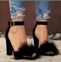 salto alto em penas venda por atacado-Sapatos de pelúcia feminino primavera e no outono de 2018 nova versão coreana da palavra fivela calcanhar sapatos selvagens apontou pena de avestruz sapatos de salto alto